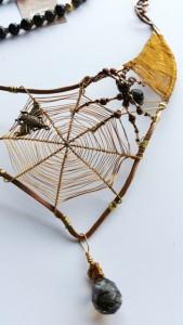 27 A tangled web is woven II closeup